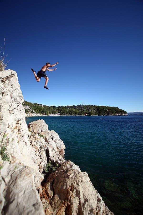 Springen in das Unbekannte stockfoto
