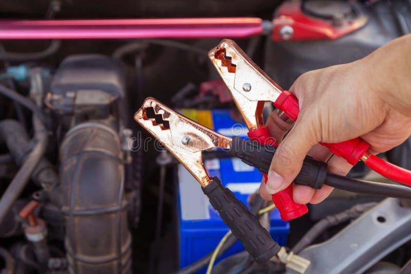 Springen der Batterie für die Aufladung lizenzfreie stockfotografie