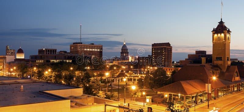 Springfield panorama med gamla och nya statliga Kapitoliumbyggnader royaltyfria foton