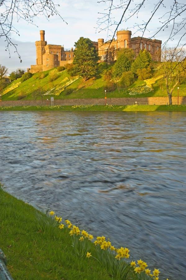 springtime för flod för slottinverness ness arkivfoto