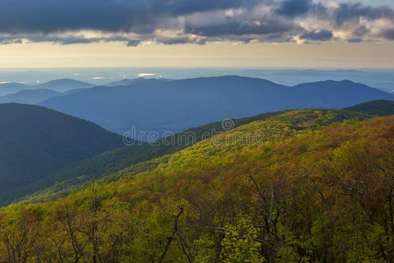 Springtime in het Blue Ridge-gebergte bij Bedford, Virginia royalty-vrije stock afbeeldingen