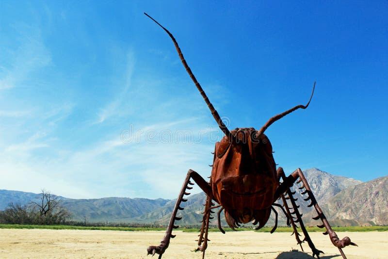 Sprinkhanenbeeldhouwwerk, het Park van de de Woestijnstaat van Anza Borrego, Californië royalty-vrije stock fotografie