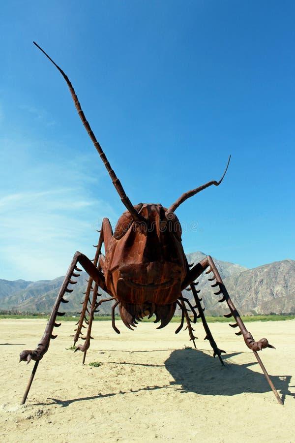 Sprinkhanenbeeldhouwwerk, het Park van de de Woestijnstaat van Anza Borrego, Californië stock foto's
