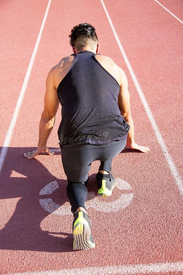 Sprinter που φεύγει στην τρέχοντας διαδρομή στοκ φωτογραφία με δικαίωμα ελεύθερης χρήσης