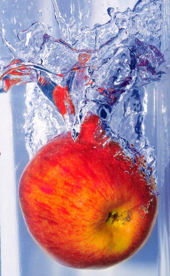 Spritzen des Apfels