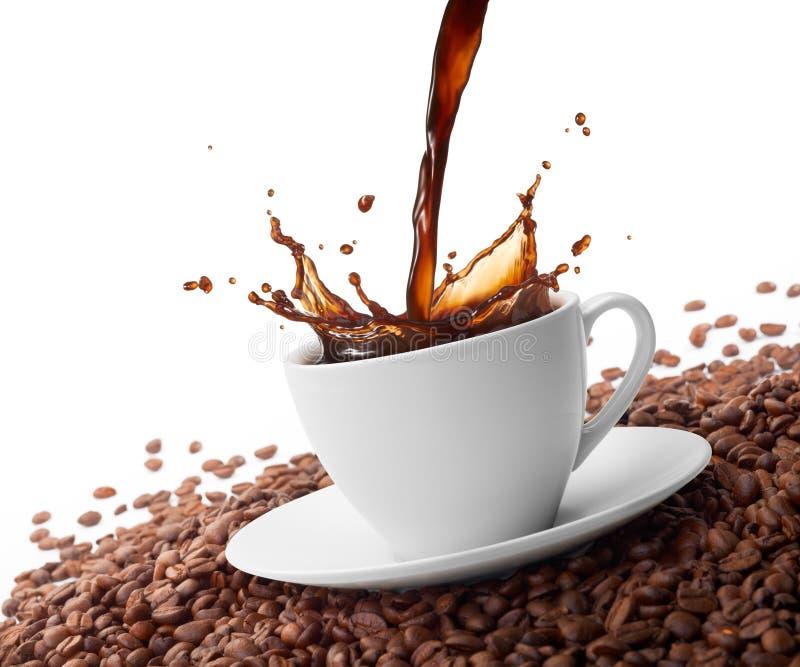 Spritzen des Kaffees lizenzfreies stockfoto