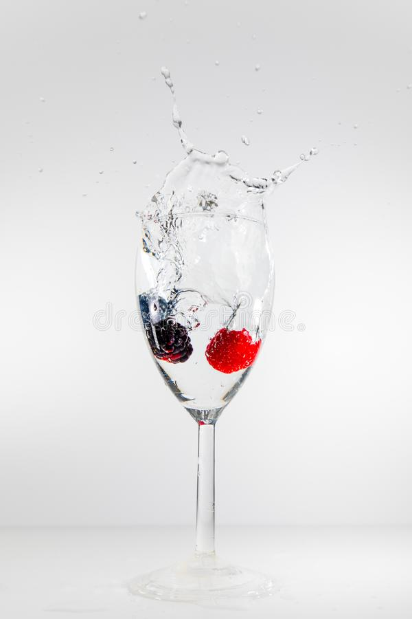 Spritzenfrucht stockfotografie