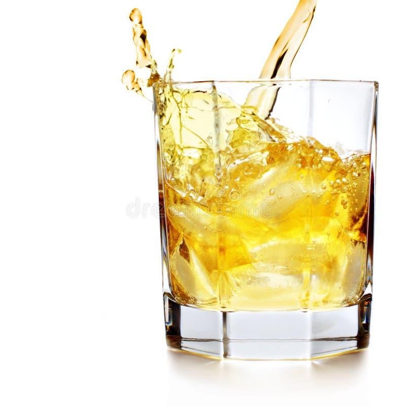 Spritzenwhisky lizenzfreies stockbild