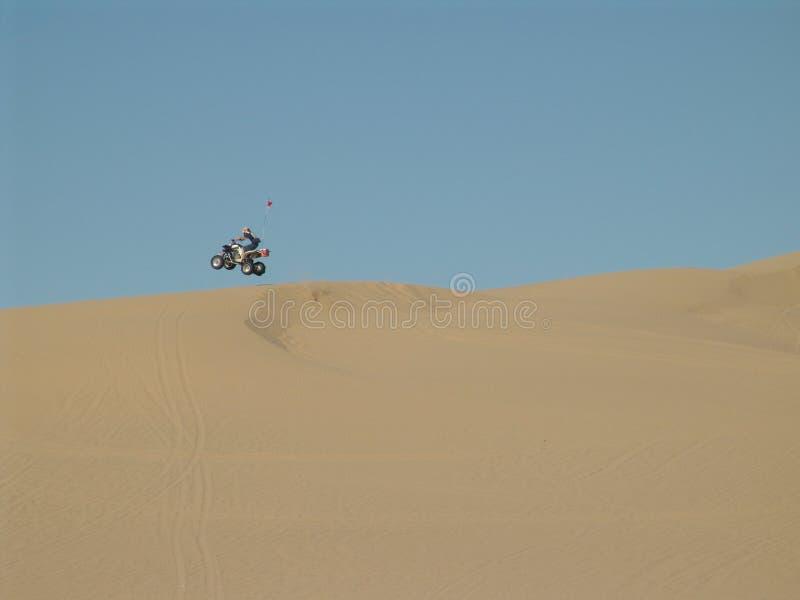 Download Sprong ATV stock foto. Afbeelding bestaande uit actief - 294966