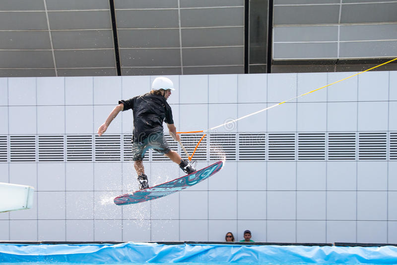 Sprong bij het waterboarding royalty-vrije stock foto's