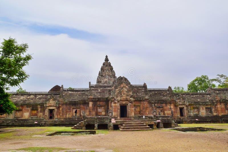 Sprossen-Schloss Khao Phanom, der ?lteste Platz in der Geschichte in Buriram, Thailand lizenzfreie stockbilder