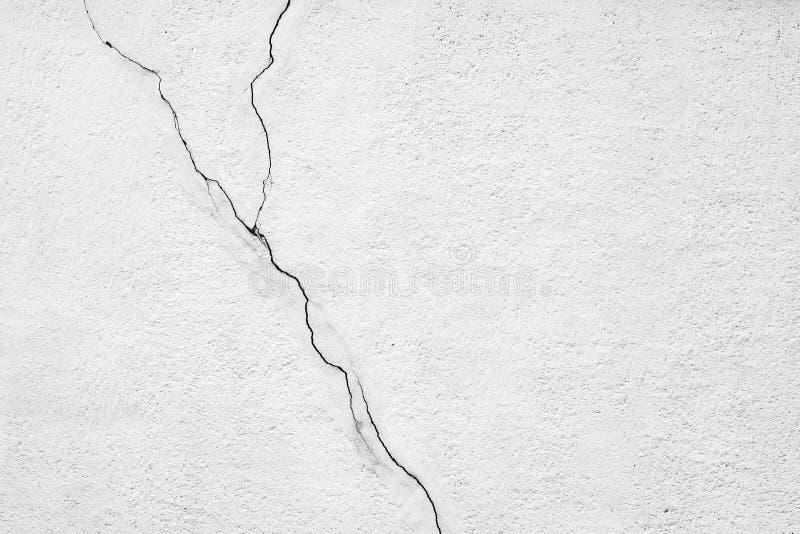 Sprucken vägg för gammal betong royaltyfri fotografi