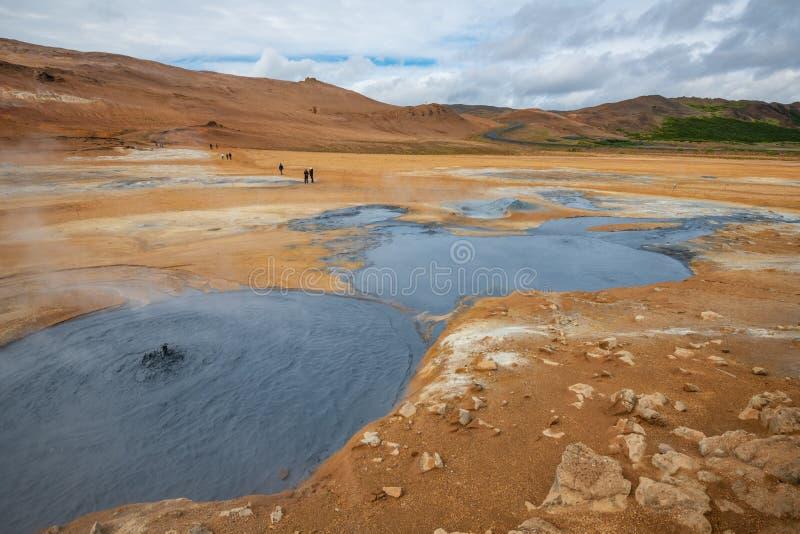 Sprudeln heiß mit Dampf Schlamm-Töpfe im geothermischen Bereich Namafjall, Hverir, Island stockbild