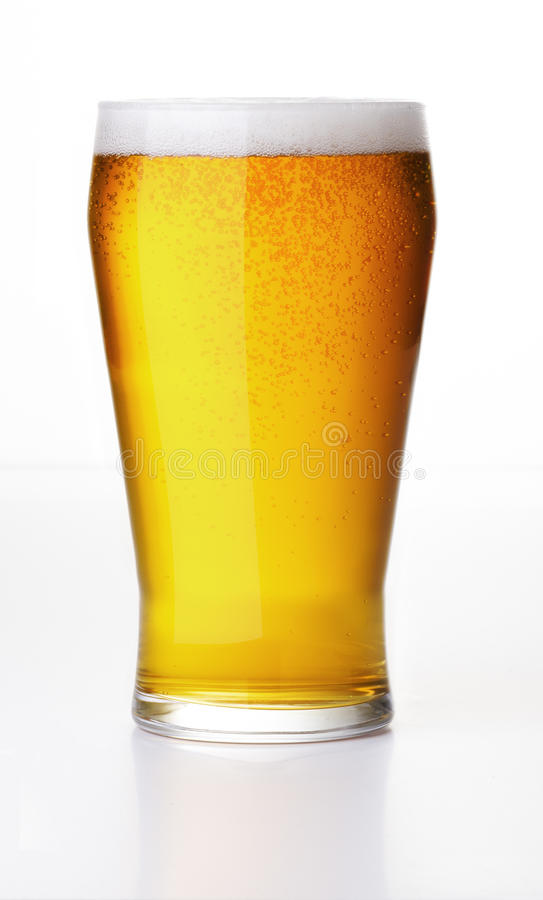 Sprudelndes Bier lizenzfreies stockbild