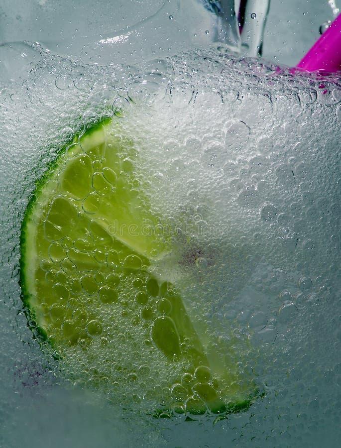 Sprudelndes kühles Getränk lizenzfreies stockfoto