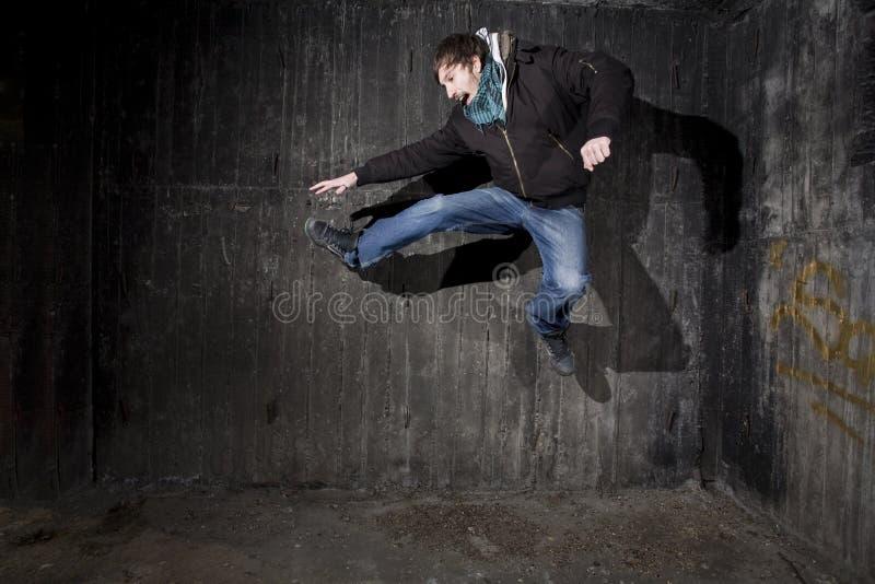 Sprung - breakdance Konzept lizenzfreies stockbild
