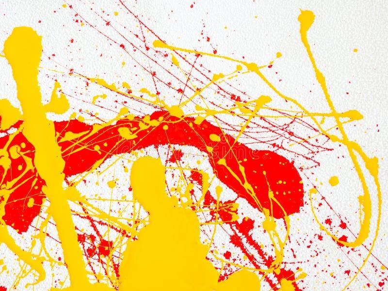 Spruzza di pittura rossa e gialla su un fondo bianco illustrazione vettoriale