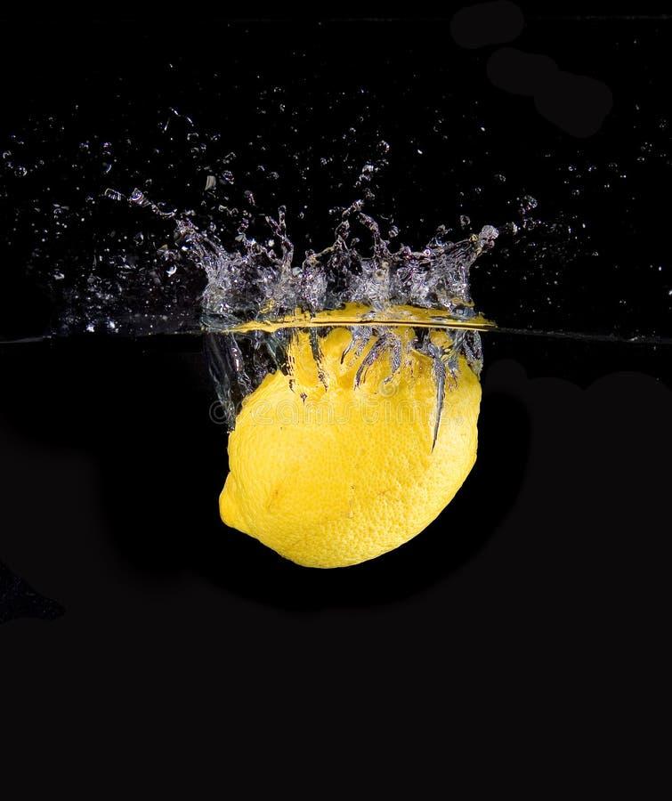 Spruzzatura del limone fotografie stock libere da diritti