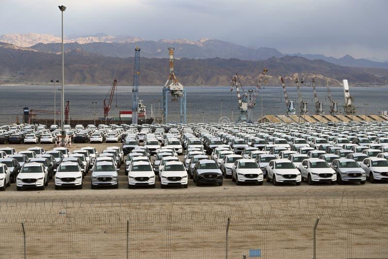 Sprzedaż parking samochody zdjęcie stock
