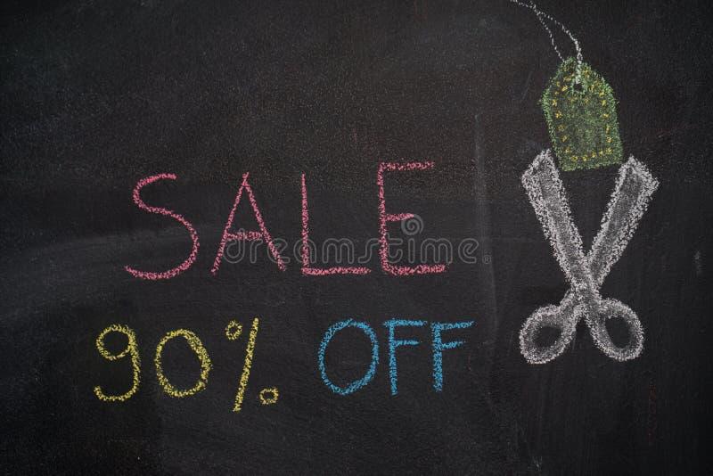 Sprzedaż 90% daleko na chalkboard ilustracji