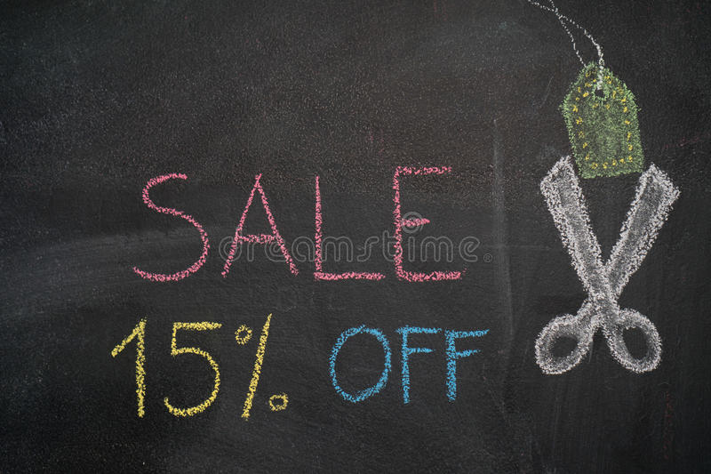 Sprzedaż 15% daleko na chalkboard ilustracji