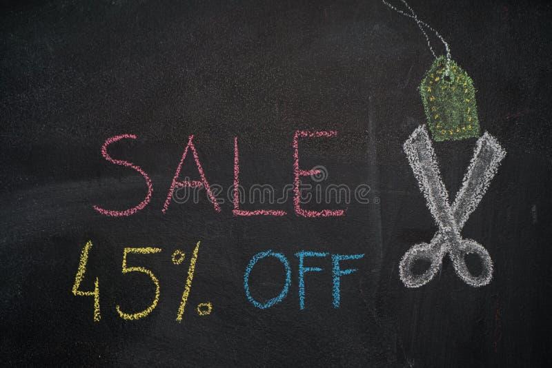 Sprzedaż 45% daleko na chalkboard ilustracja wektor