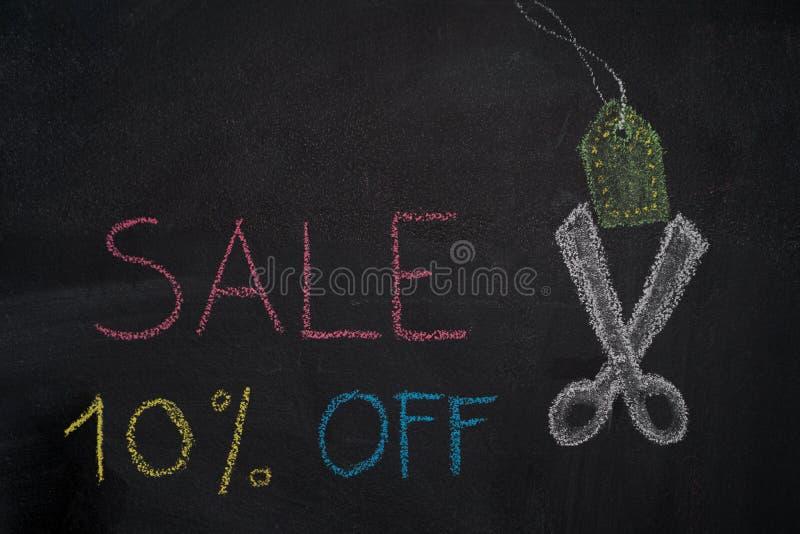 Sprzedaż 10% daleko na chalkboard ilustracja wektor