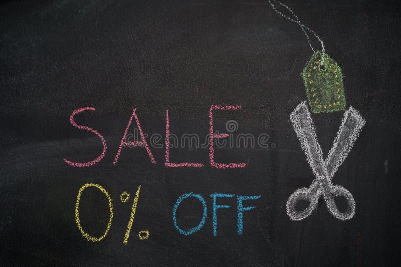Sprzedaż 0% daleko na chalkboard ilustracja wektor