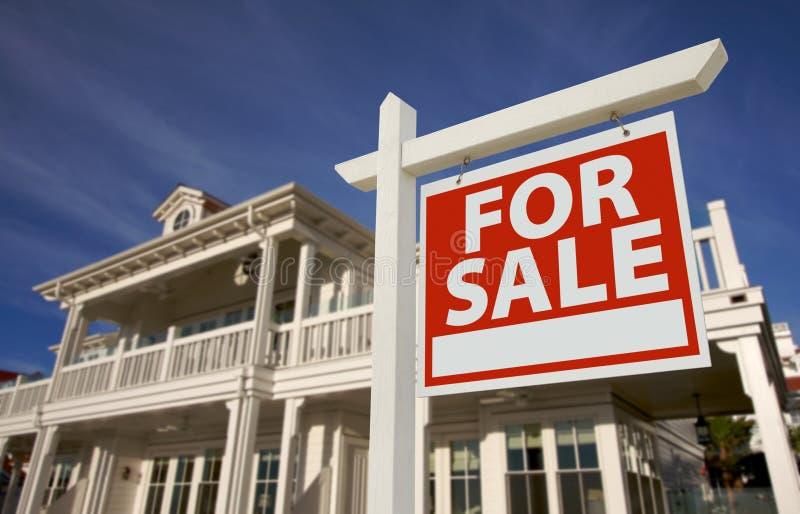 sprzedaż domowy nowy znak zdjęcia stock