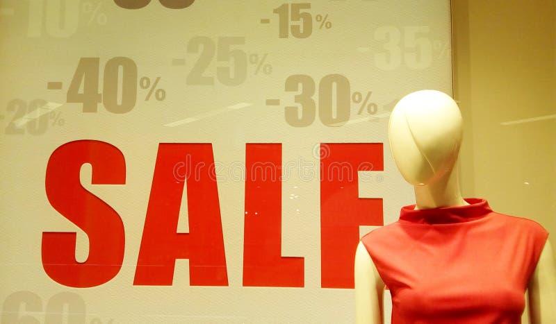 Sprzedaż w sklepie w przedpolu, mannequin obrazy royalty free