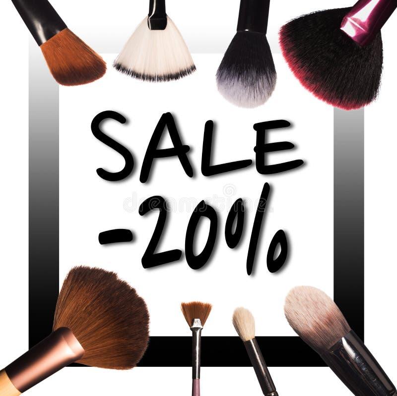 Sprzedaż z makijaży muśnięciami zdjęcie stock