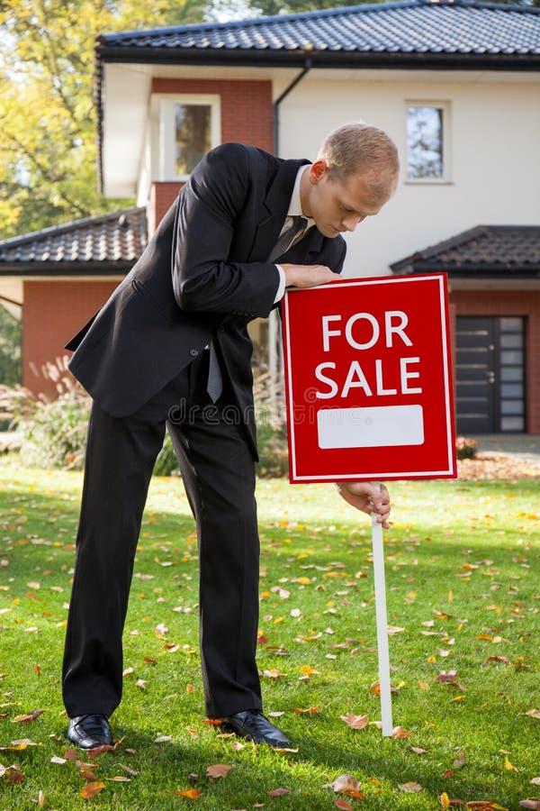 Sprzedawać dom zdjęcie stock