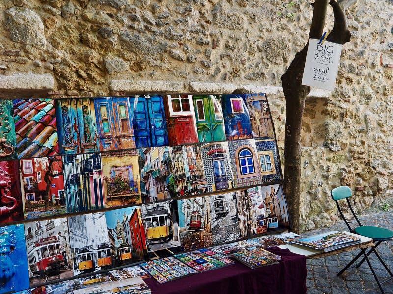 Sprzedawanie fotografie w Lisbon obraz stock