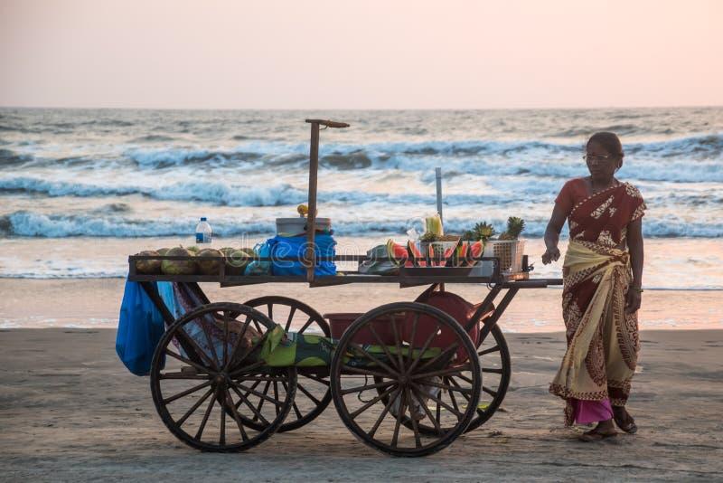 Sprzedawca na plażowym Goa obraz royalty free