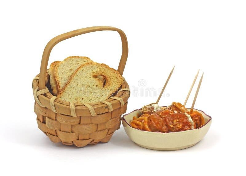 Spuntino del pane tostato di Melba e della polpetta fotografie stock