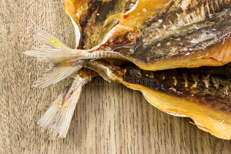 Spuntino salato a secco del pesce immagini stock