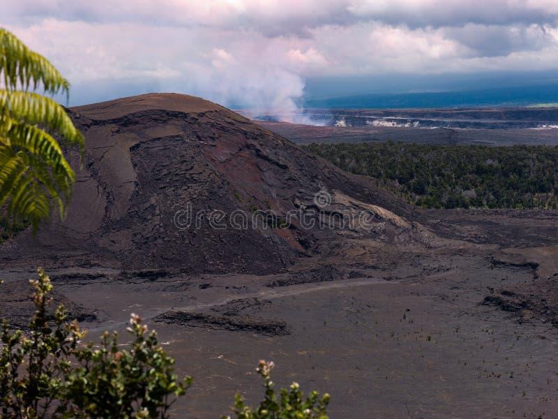 Spur innerhalb des Kraters lizenzfreie stockfotos