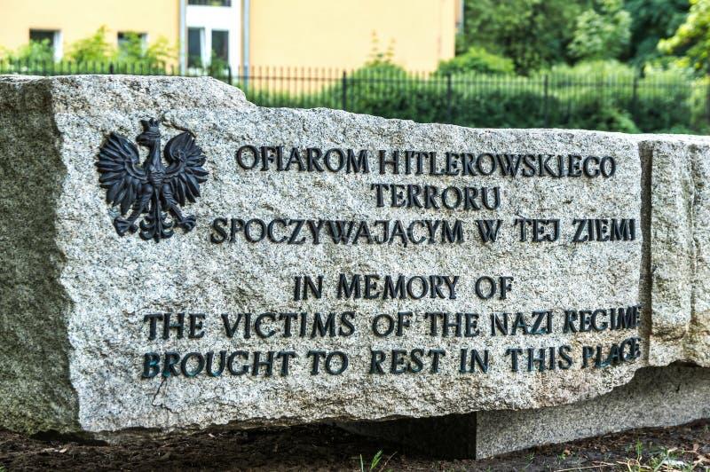 Spuren von jüdischem Warschau - Massenexekutionsmonument stockbild