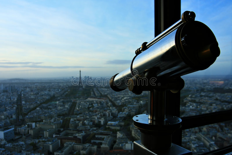 Spy-glass lizenzfreie stockbilder