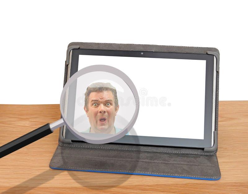 Spyware het binnendringen in een beveiligd computersysteem van het de identiteitsgevaar van computerinternet de veiligheidsbreuk stock foto