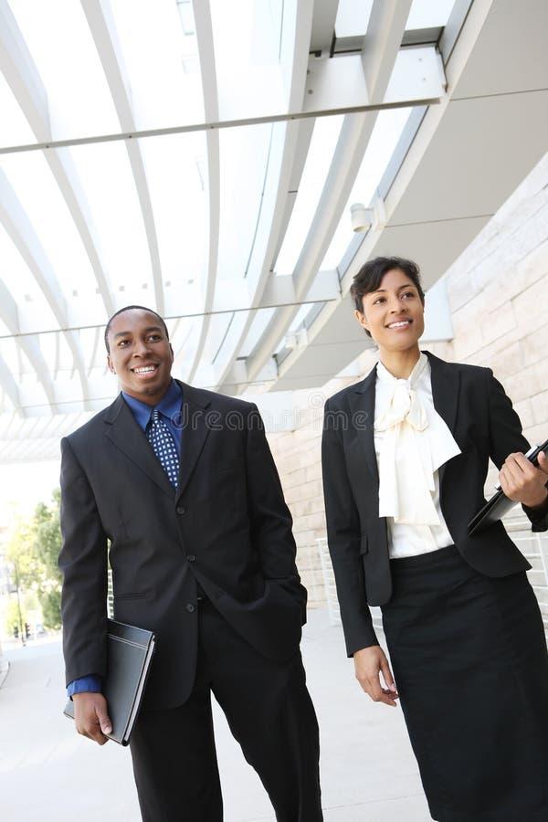 Squadra attraente di affari dell'afroamericano immagine stock