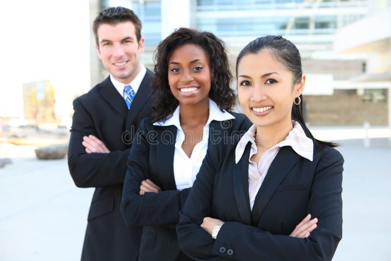 Squadra attraente varia di affari immagini stock libere da diritti