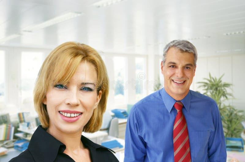 Squadra di affari all'ufficio fotografia stock libera da diritti
