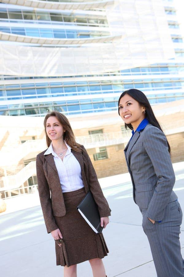 Squadra di donna di affari all'ufficio immagini stock