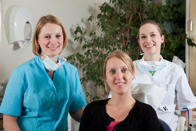 Squadra e paziente dentali fotografia stock libera da diritti