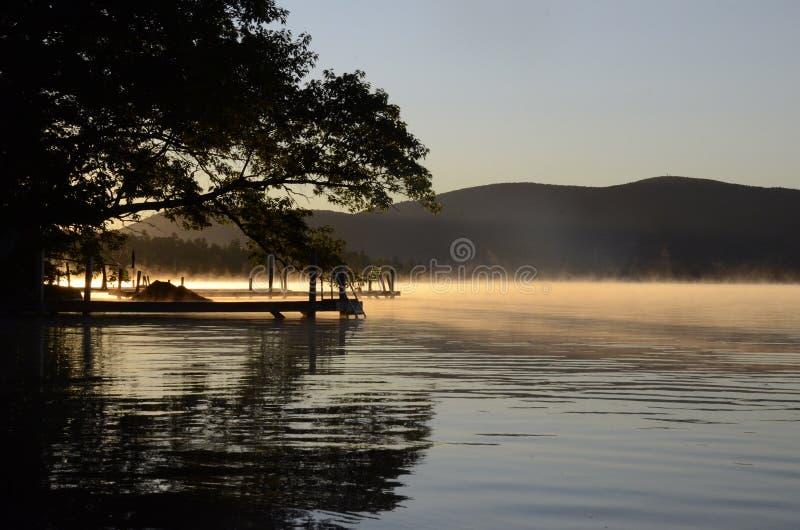 Squam jeziora ranek zdjęcia stock