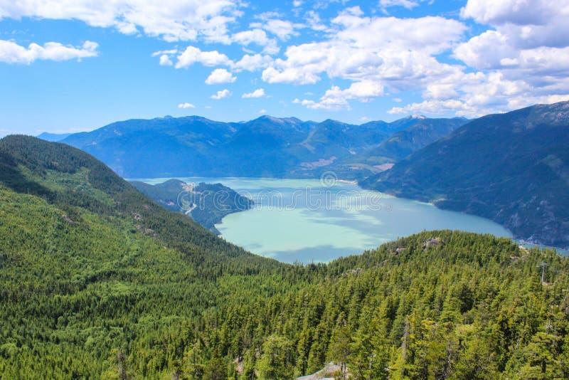 Squamish på sommartid, British Columbia royaltyfri foto