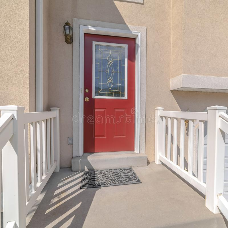 Free Square Frame Red Front Door And Steps Of Traditional Home Royalty Free Stock Photo - 163701765