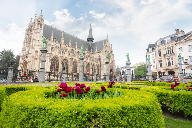 Square of Petit Sablon in Brussels, Belgium. Church of Our Lady of Victory in Sablon or Eglise catholique Notre-Dame-du-Sablon at the Square of Petit Sablon in stock photos