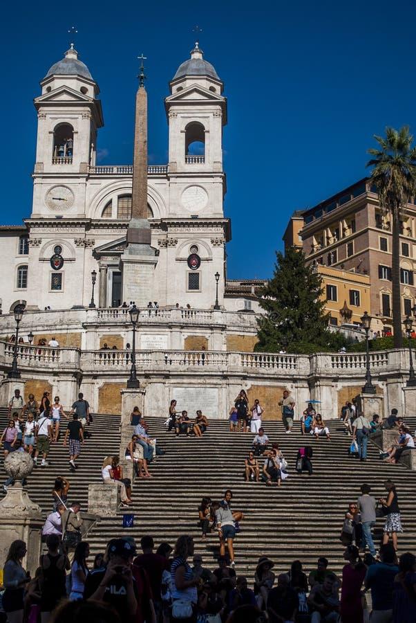 Square Piazza di Spagna,喷泉Fontana della Barcaccia在罗马 库存照片